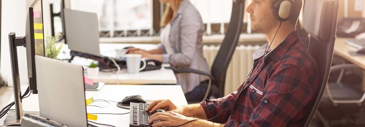 Outsourcing vs. Insourcing Your IT Support  Pros Cons